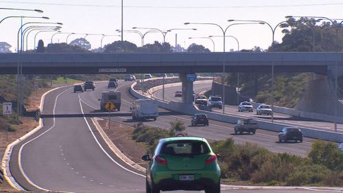 There have been 39 cases of rock throwing on Adelaide's Southern Expressway. It's such a concern residents have started civilian patrols. (9NEWS)