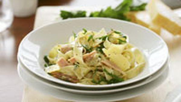 Linguine with tuna and artichoke