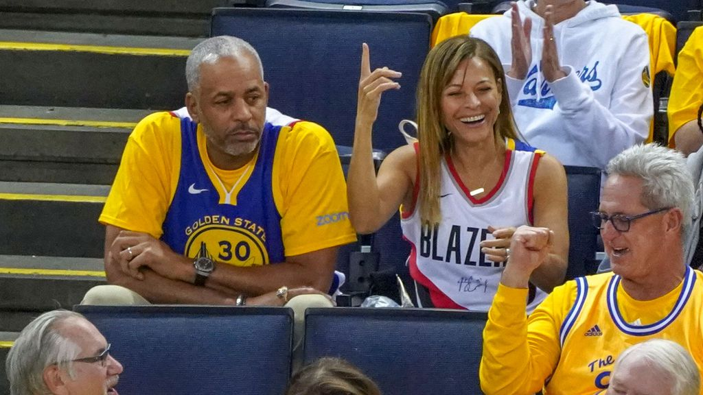 meet 72916 54177 Steph and Seth Curry make NBA history as Golden State ...