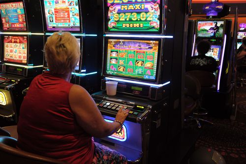Victorians spent more than $2 billion on poker machines last year. (AAP file image)