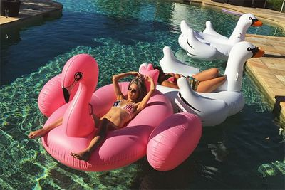 "Huge, palatial pool? Tick. Giant swans and flamingo floaties? Tick. Background BFF? Tick. Hot bikini body… tick tick tick! Imogen Anthony literally has it all — now let's just hope she's slathered her skin in some SPF 30 to keep that complexion flawless.<br/><br/>Instagram @imogen_anthony: ""How's your #Sunday?"""