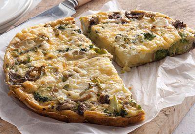 Broccoli, potato and cheddar frittata