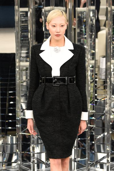 Soo Joo Park for Chanel Haute Couture Spring 2017. A classic tulip mini skirt, perfect on all shapes and sizes.