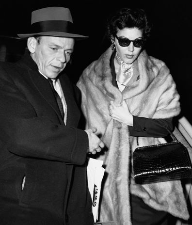Gardner and Sinatra arrive in Rome by plane after spending the Christmas holidays and Ava's birthday together in Madrid.