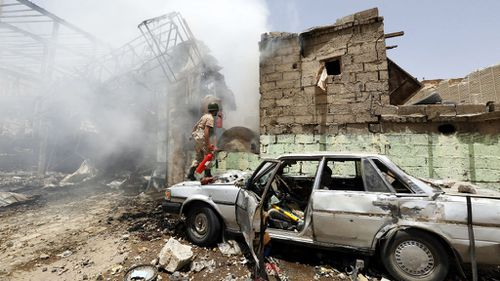Evacuations of foreigners in Yemen suspended over security