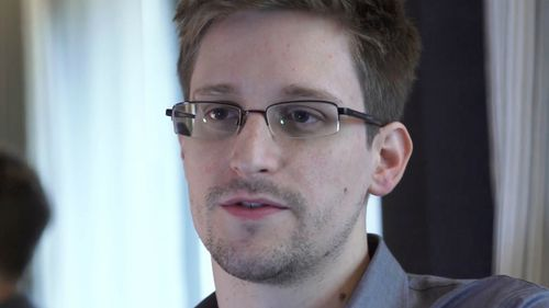 Russian spies 'tried to recruit NSA leaker Edward Snowden'