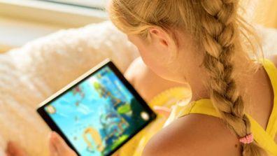 Kid on iPad