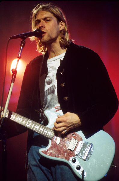 Kurt Cobain, dead, celebrities, age 27 club
