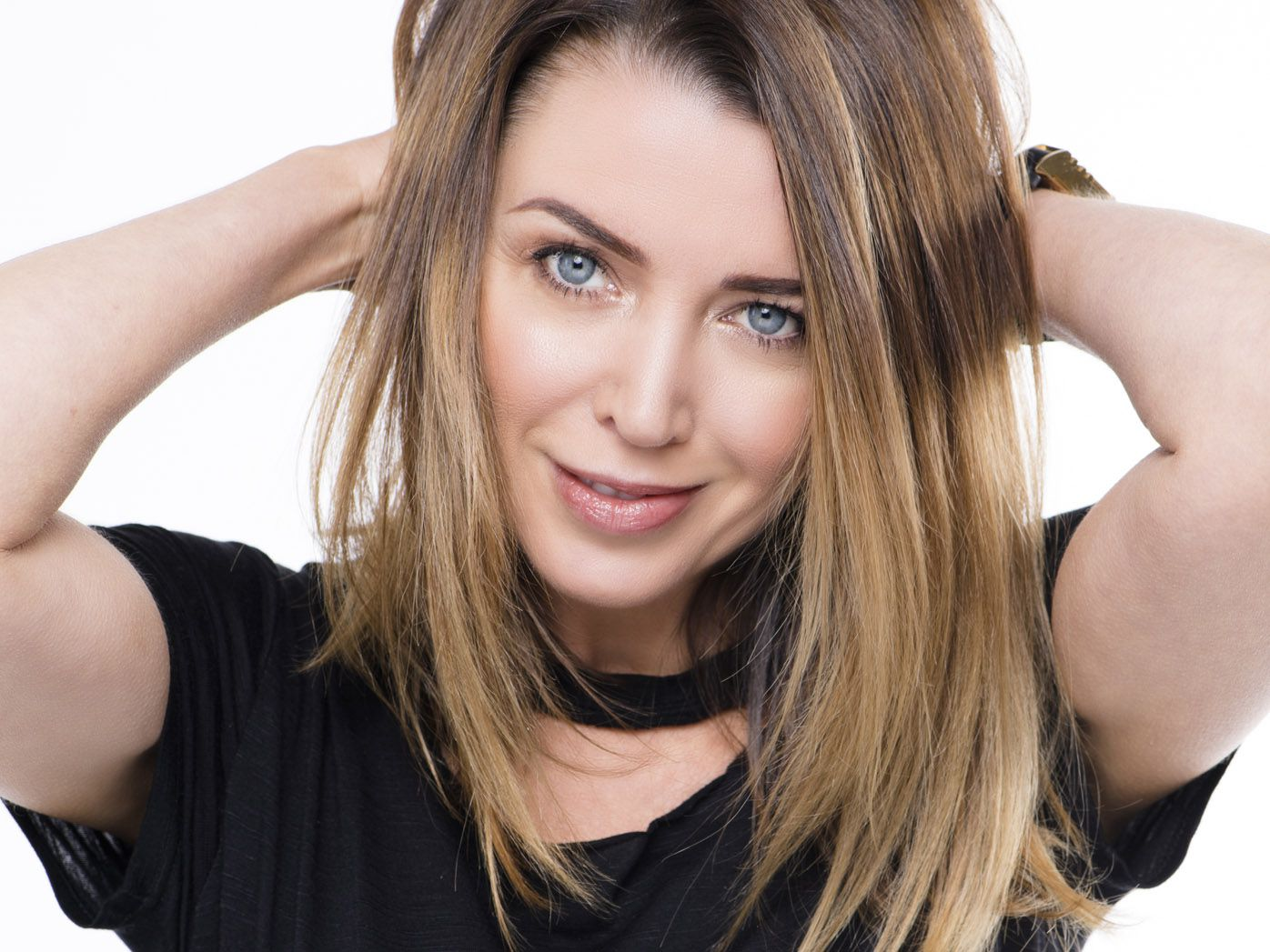Dannii Minogue is gorgeous as a brunette. But wait till you see her as a blonde!