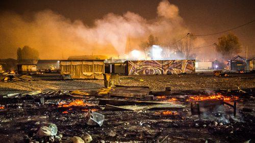 Fierce blaze destroys France's Grande-Synthe migrant camp