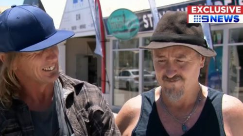 Mates Bevan Duncan and Nathan Cugley were one step ahead of the robber. (9NEWS)