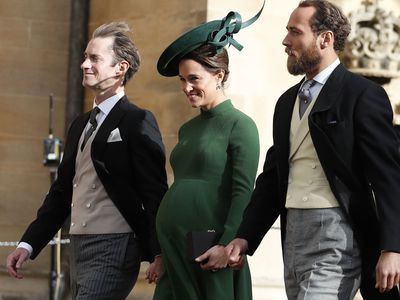 Pregnant Pippa Middleton arrives at Princess Eugenie's royal wedding