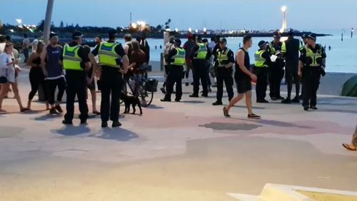 St Kilda Beach alcohol ban police