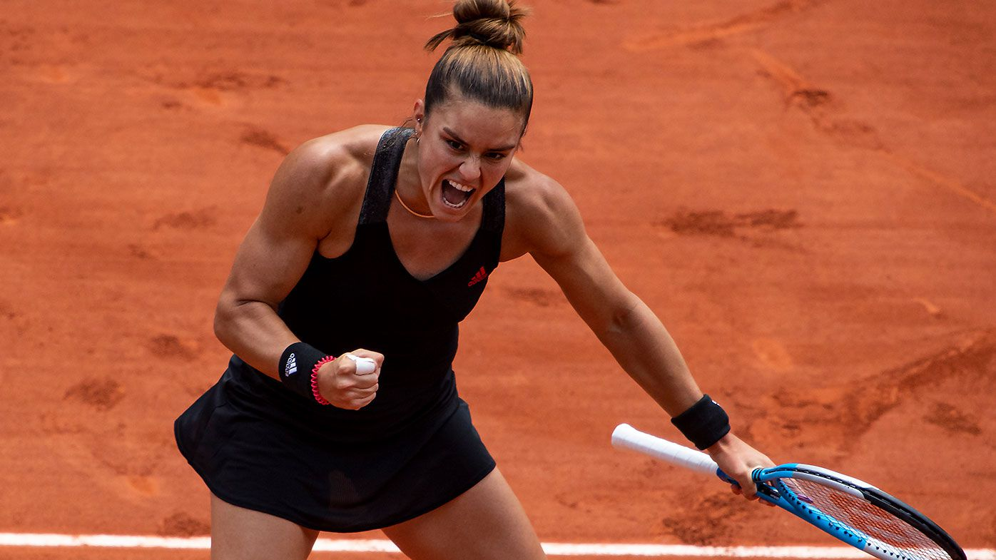 Maria Sakkari ends Iga Swiatek's 11-match streak, sending Roland-Garros champion packing