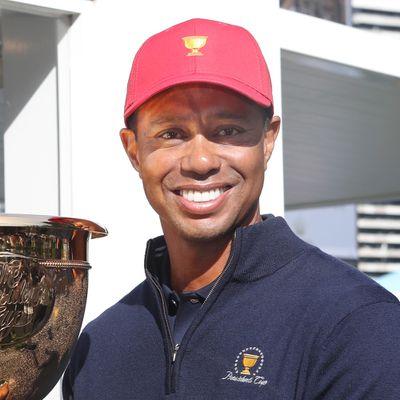 9. Tiger Woods (US$800 million)