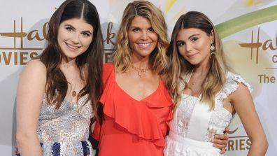 Isabella Rose Giannulli, Lori Loughlin and Olivia Jade Giannulli in 2017