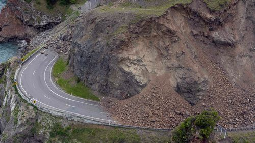 A group of six kayakers have been found after a large dam, caused by the earthquake, breached in New Zealand. (AAP)