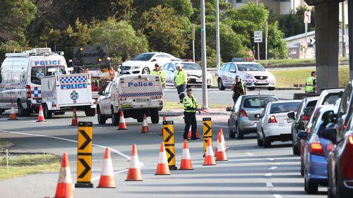 coronavirus Queensland border closure checkpoint