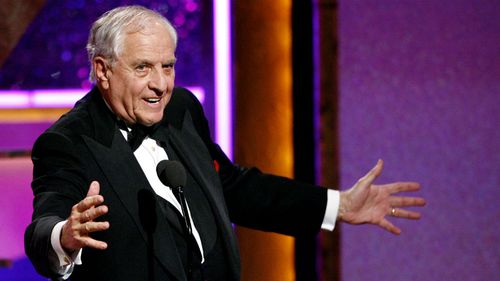 Tributes pour in for US director Garry Marshall