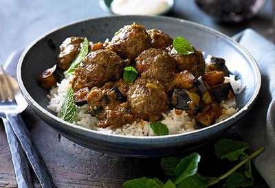 "Recipe: <a href=""/recipes/imince/8996174/indian-meatball-curry"" target=""_top"">Indian meatball curry</a>"