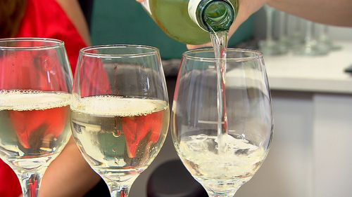 Ms Zapala and Mr Kumar were offered the same amount of wine.