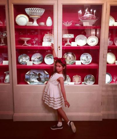 Ta dah! Arabella posed for pics of her favourite holiday finds.