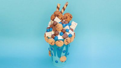 "Recipe: <a href=""http://kitchen.nine.com.au/2017/01/06/10/16/cookie-monster-milkshake-smash-cake"" target=""_top"">Cookie Monster 'milkshake' smash cake</a>"