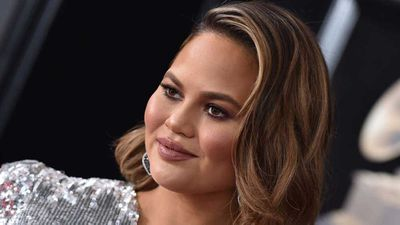 Chrissy Teigen brings bizarre food item through airport security