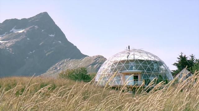 Norway family lives inside glass dome