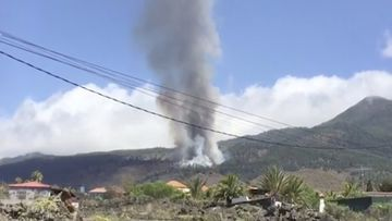 Volcano erupts on Spanish island hours after evacuation begins