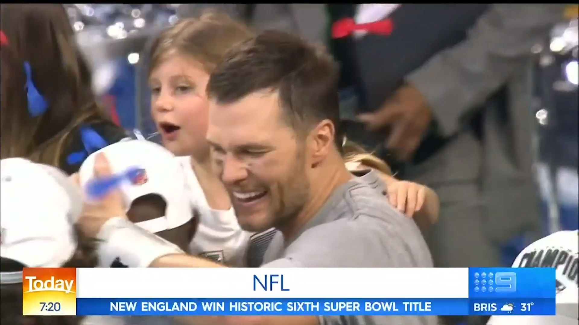 Tom Brady gets his playoff beard shaved for charity