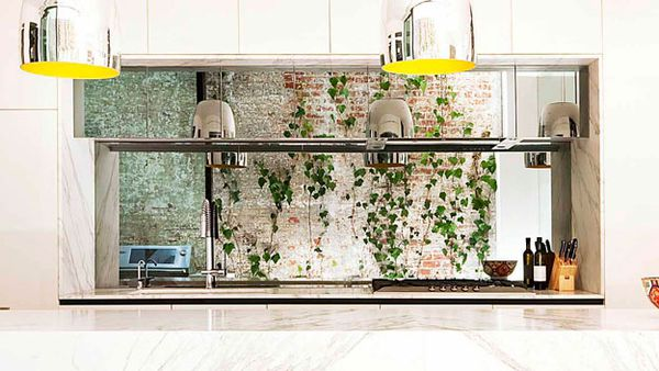 Mirrored splashback