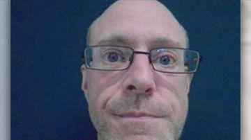 Manhunt underway for Melbourne stabbing suspect