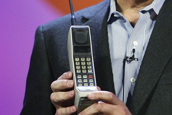 The world's first commercially available mobile phone, the Motorola DynaTAC 8000. (AAP)