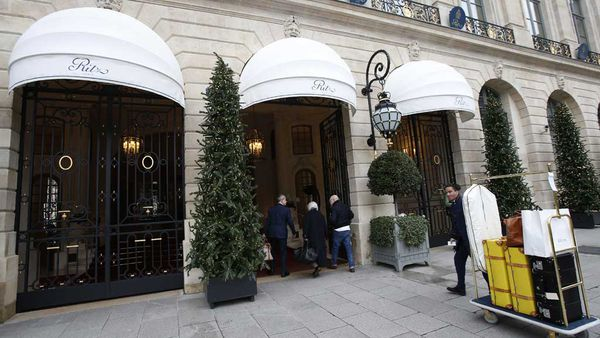 The Ritz, Paris auctions its luxury pieces