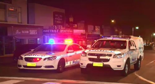 Pub patrons tackle man who allegedly attempted to rob hotel in Sydney's south