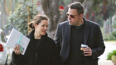 Jennifer Garner, Ben Affleck, walking, California, neighbourhood