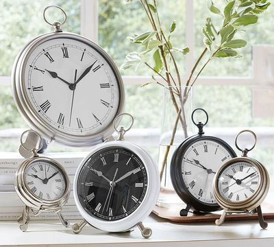 <strong>Broken clocks</strong>