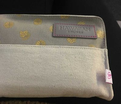 Hawaiian Airlines amenity kit