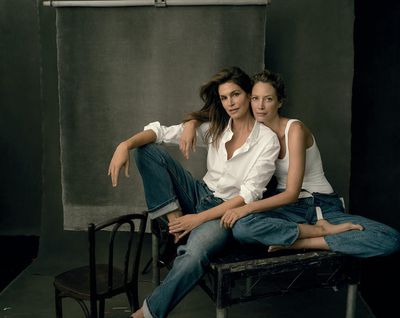 "<p>Christy Turlington and Cindy Crawford pose for <em>US Vogue</em>'s 2017 September issue in a candid shot captured by Annie Leibovitz.</p> <p>""Reunited with @cindycrawfordfor @voguemagazine's September Issue. We have known and worked together from the start of our careers and paired often over the years, well before we met the rest of our gang now more than half our lifetimes ago...That's something I'm truly grateful for. #vogue125 📷#annieleibovitz,"" Christy commented.</p>"