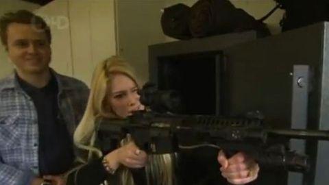 heidi montag and spencer pratt with a gun