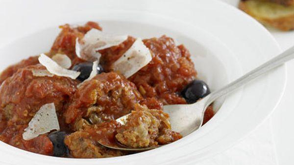 Meatballs with tomato and manzanilla olive sauce