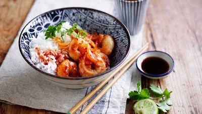 "Poh's <a href=""http://kitchen.nine.com.au/2016/05/05/10/43/pohs-sweet-sour-and-spicy-stirfried-prawns-with-rice"" target=""_top"">sweet, sour and spicy stir-fried prawns with rice</a> recipe"
