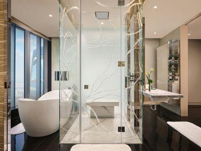 J Hotel Shanghai Towers: Premium Stateroom and Stateroom Living Room