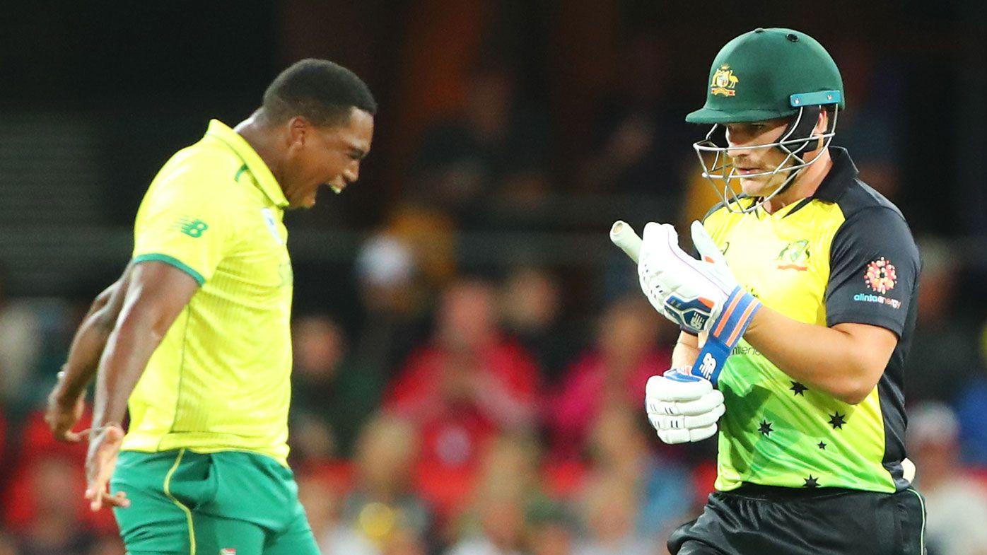Shane Warne calls for batting coach Graeme Hick's sacking during Aussie T20 loss