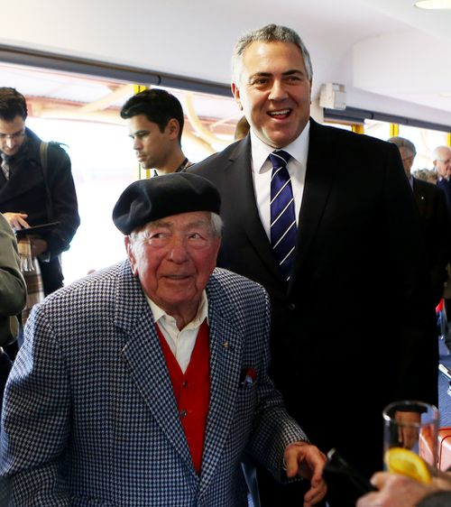 Joe Hockey with his father Richard in 2014. (AAP)