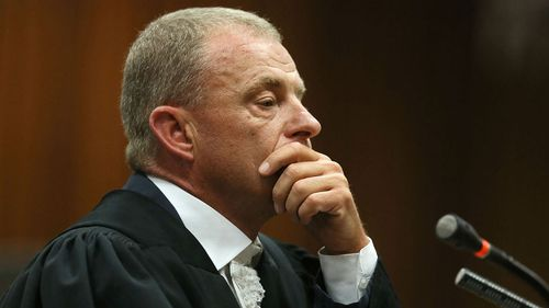 Prosecution sums up 'deceitful' Pistorius saying he 'can't escape' a murder conviction