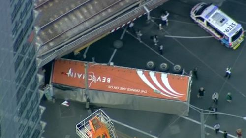 Traffic chaos in Melbourne CBD after truck roll over took eight hours to clear
