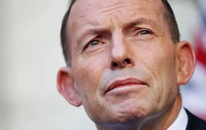 Curious blogger accidentally hacks Tony Abbott's boarding pass