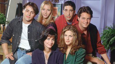 Friends cast: Courteney Cox as Monica Geller, Matt LeBlanc as Joey Tribbiani, Lisa Kudrow as Phoebe Buffay, David Schwimmer as Ross Geller, Matthew Perry as Chandler Bing an  Jennifer Aniston as Rachel Green.